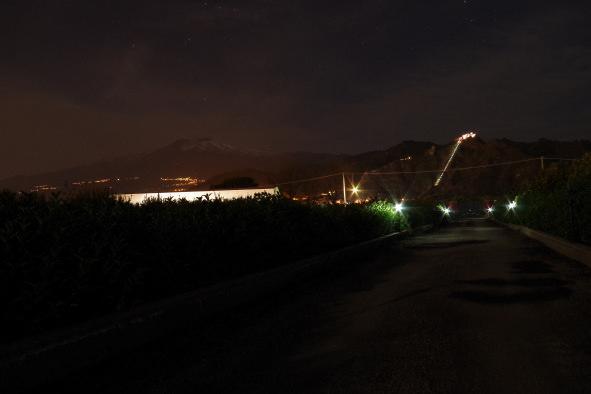 b&b villa valentina taormina giardino vista etna in notturno