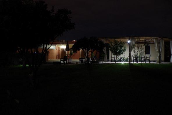 b&b villa valentina taormina giardino di notte